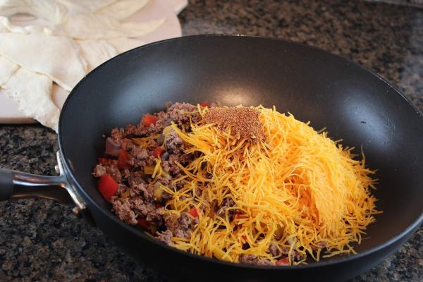 Taco Ring Meat Cheese and Seasoning