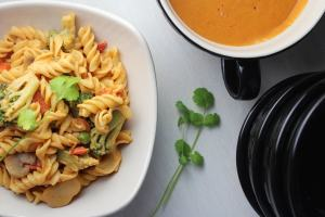 thai peanut sauce, thai vegetarian dish, thai pasta, easy thai recipes, thai food, simple thai pasta