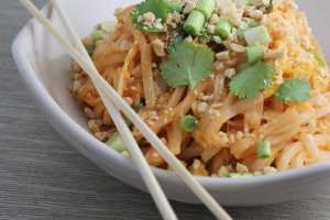 vegetable pad thai, vegetarian pad thai, pad thai, pad thai recipe, spicy pad thai, spicy vegetable pad thai, recipes, food, thai food