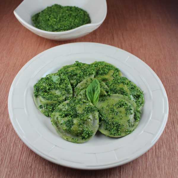 homemade pasta, ravioli pasta dough recipe, how to make your own raviolis, three cheese raviolis, basil ravioli dough, three cheese basil raviolis, ricotta filled raviolis, three cheese ravioli recipes, italian, pasta, st patricks day recipes, green pasta, recipes