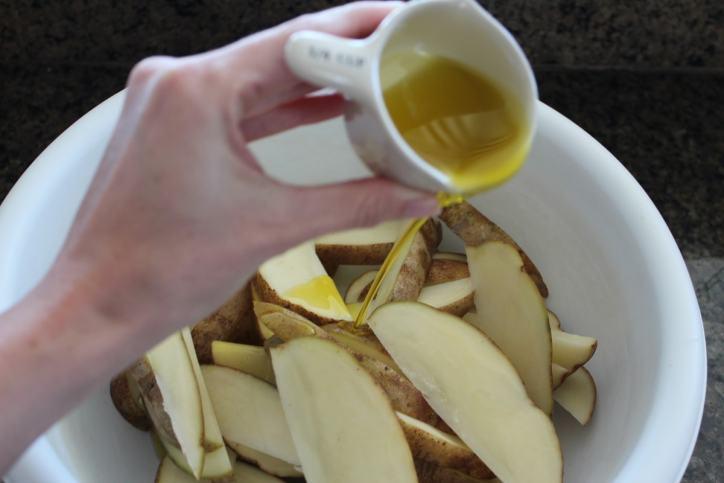 Garlic Olive Oil Potato Wedges