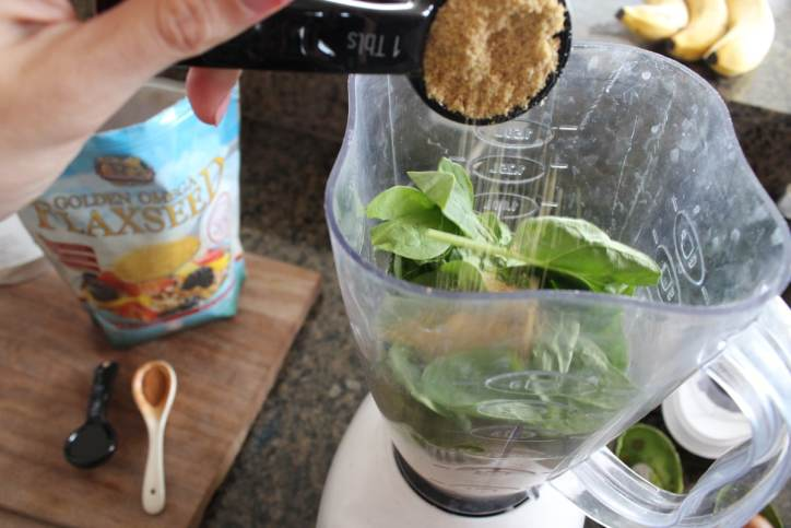 Green Flaxseed Superfood Smoothie Recipe