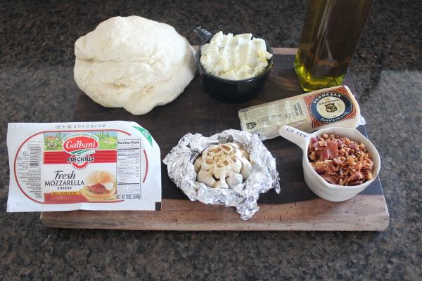 Mashed Potato & Bacon Pizza Ingredients