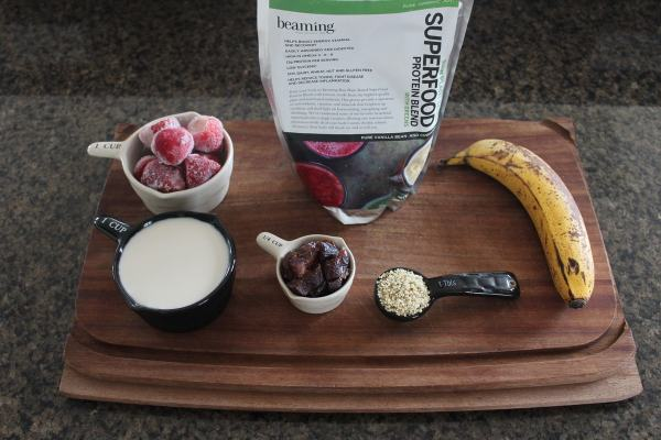 Energy Boosting Berry Banana Smoothie Ingredients