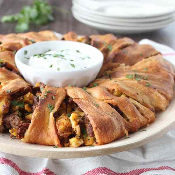 Breakfast Crescent Roll Taco Ring Recipe