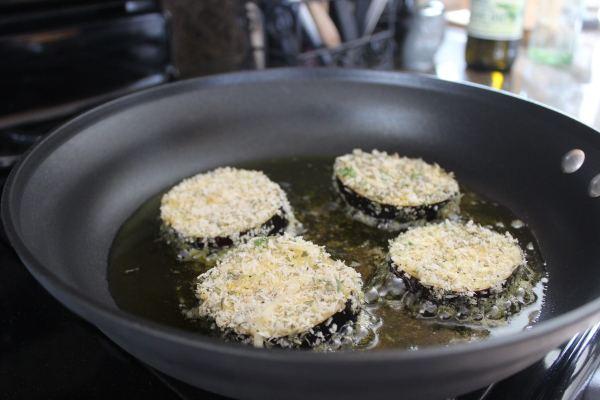 Crispy Eggplant & Prosciutto Caprese Salad Recipe
