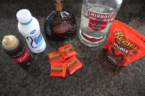 Reese's Peanut Butter Cup Martini Ingredients