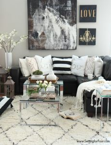 how to pull off a black and white room