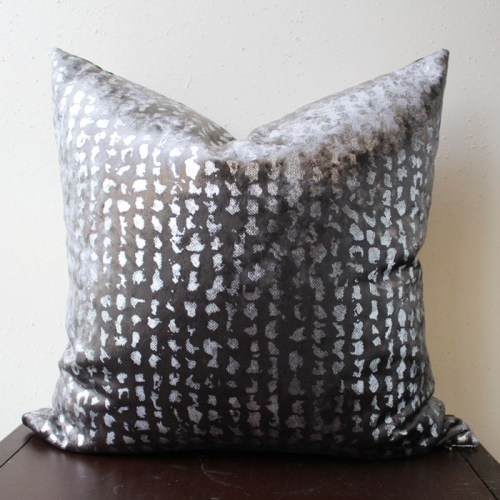 charcoal gray velvet pillow | home decor | glamorous decor | velvet decor