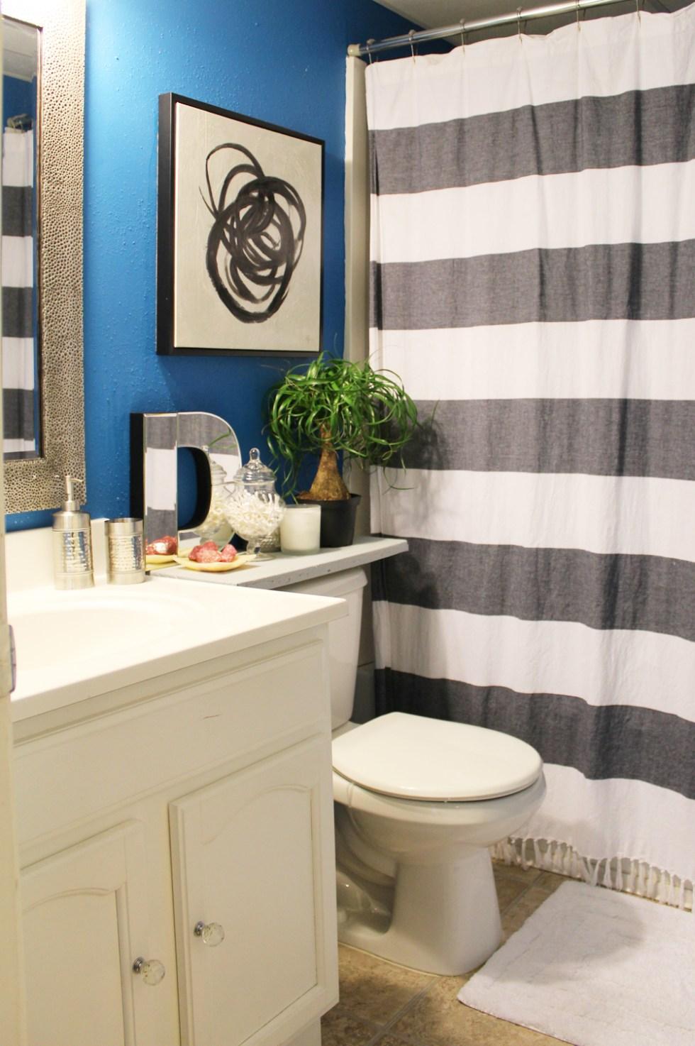 small blue bathroom decor | small bathroom | blue bathroom