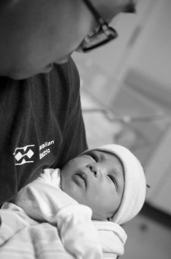 coltyn_newborn17_bw
