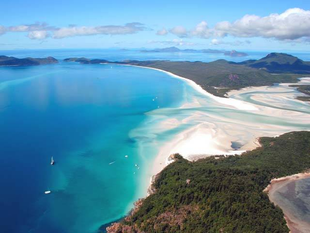 Whitsundays-Tours-from-the-air