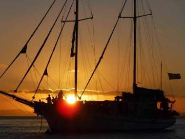 sunset-in-the-Whitsunday-islands