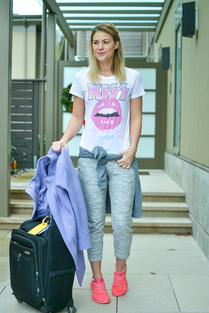 travel style jogger graphic tee