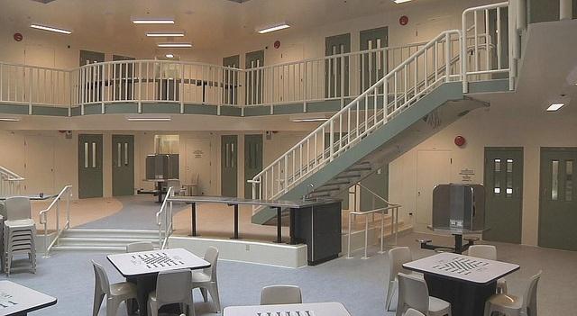 位於加拿大不列顛哥倫比亞省的Alouette矯正中心(監獄)