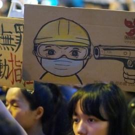 如何從獨裁走向民主? —— 從香港看非暴力抗爭對抗獨裁政權的可能性