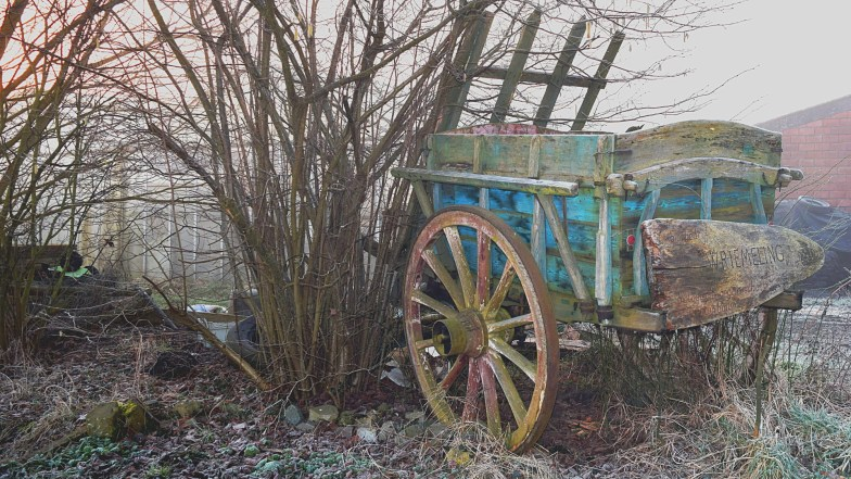 old wagon ... (click to enlarge ..)