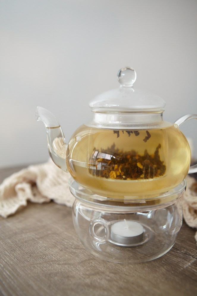 Oolong choc chai in glass teapot