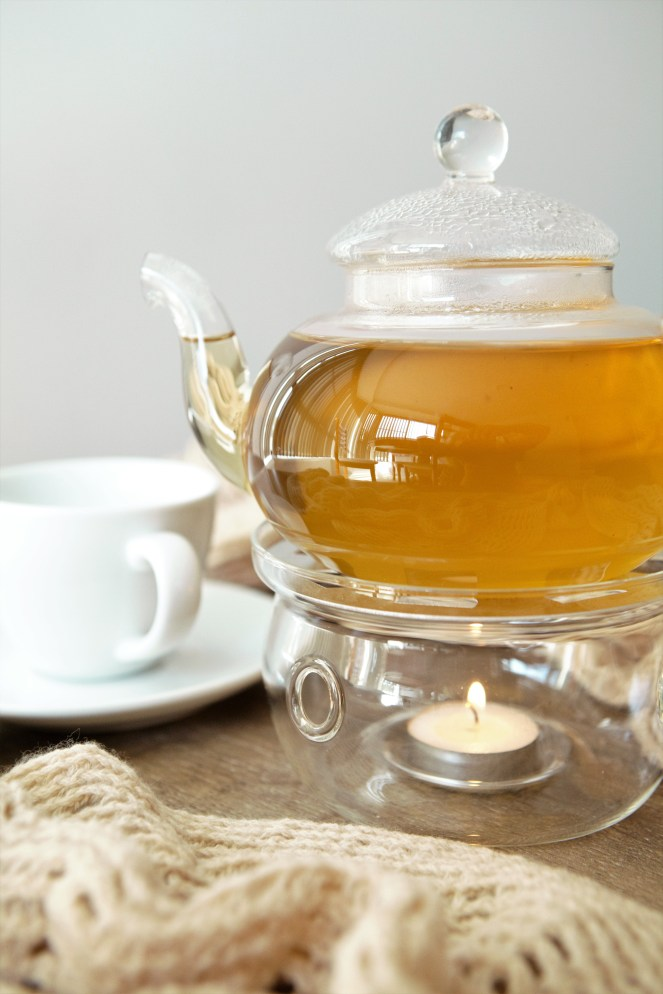 Oolong choc chai in glass teapot http://whoknewiwasahousewife.com/