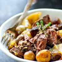 Red Wine Crockpot Beef with Fingerling Potatoes