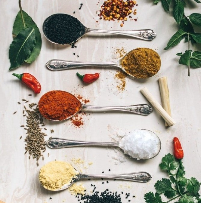 HOMEMADE WHOLE30 TACO SEASONING MIX