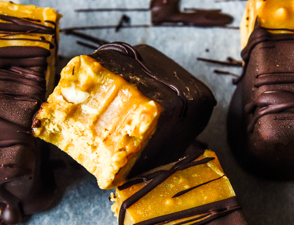 Quick and Easy Snickers Protein Bars