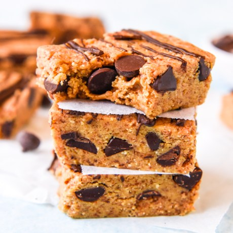 choc chip salted caramel protein bars