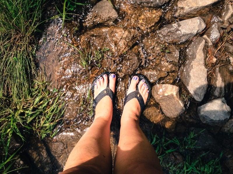 feet creek flipflops shoes