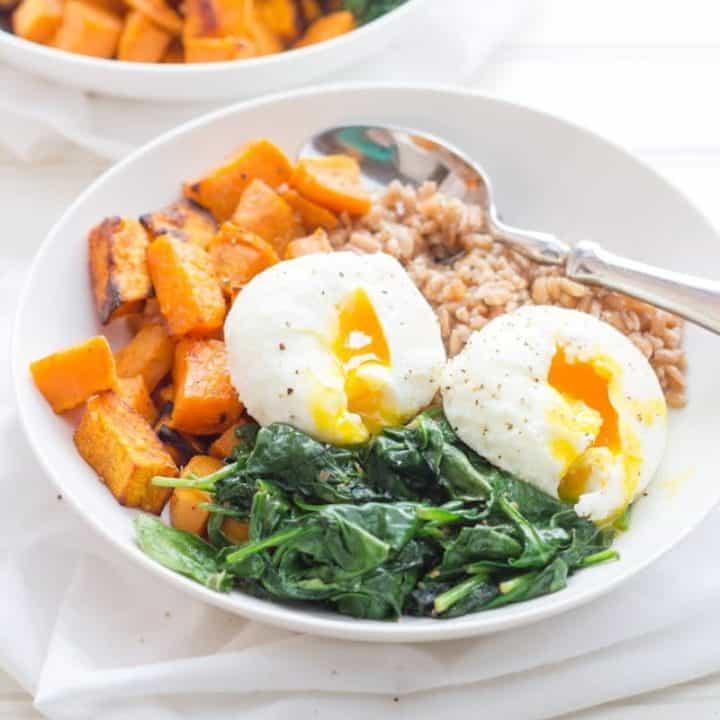 Curried Sweet Potato Breakfast Bowls