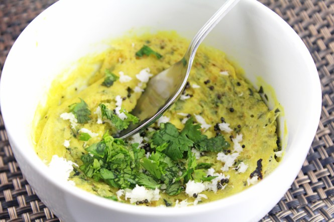 Microwave-Khaman-Oats-Dhokla-With-Spinach-4