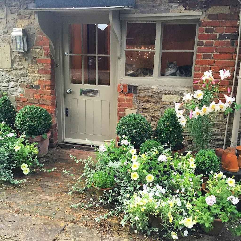 11 beautiful front yard cottage garden landscaping ideas