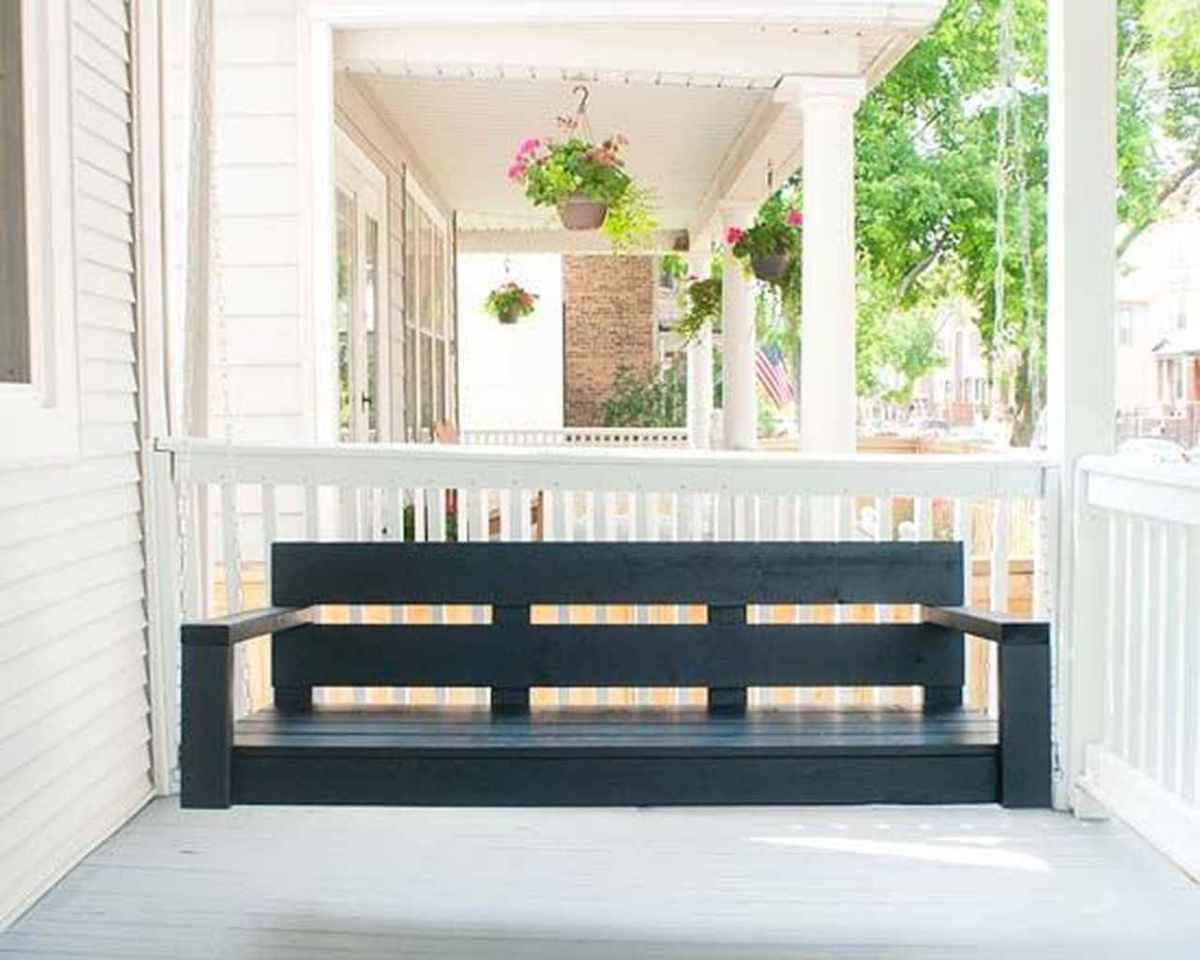 22 hang relaxing front porch swing decor ideas