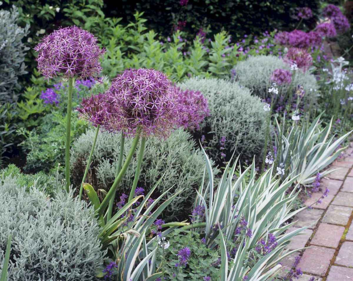 44 beautiful front yard cottage garden landscaping ideas