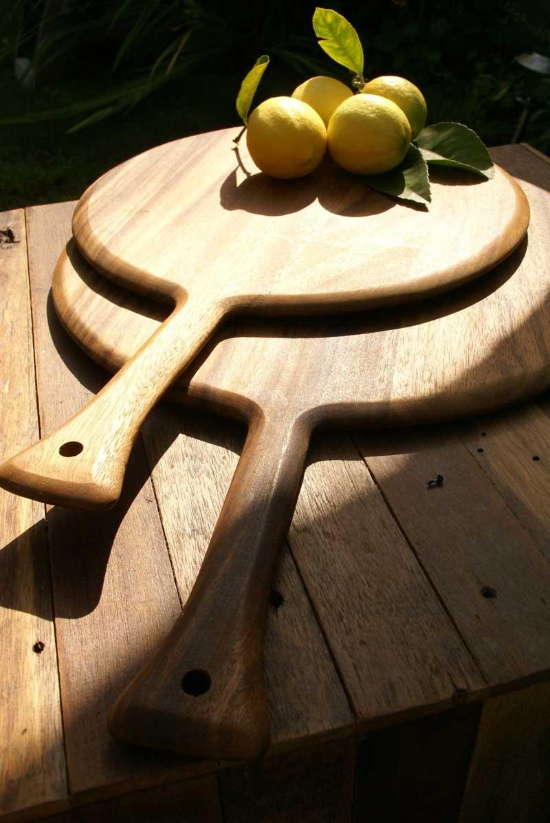 Acacia Round Board with Handle, Medium