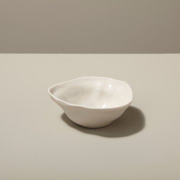 Stoneware Pinch Bowl, White