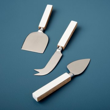 Mango Wood & White Enamel Cheese Set