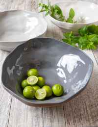 Stoneware Serving Bowl, White 2