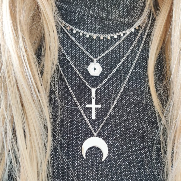 Necklace horn