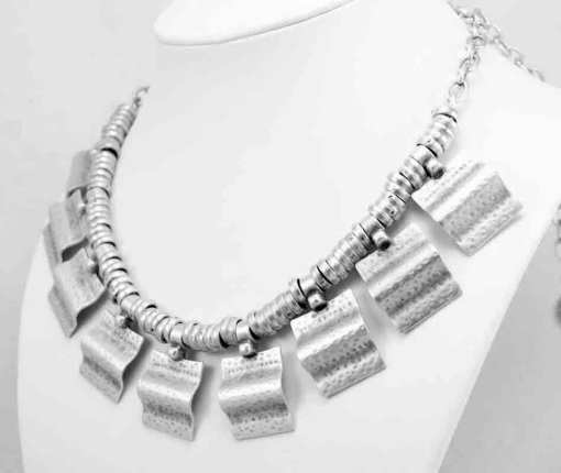 Wholesale silver necklace.