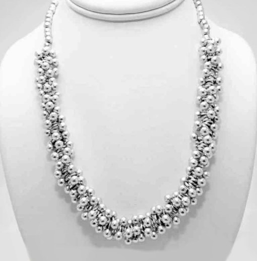 Ball cluster necklace