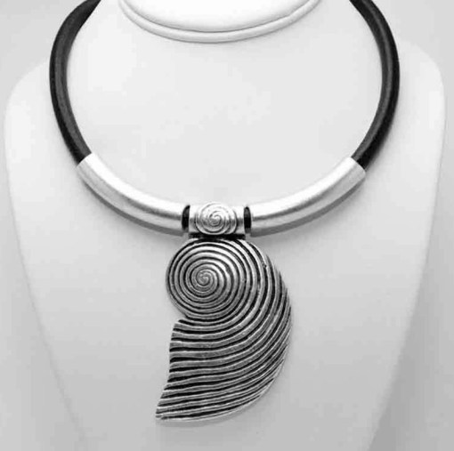 Black band shell necklace