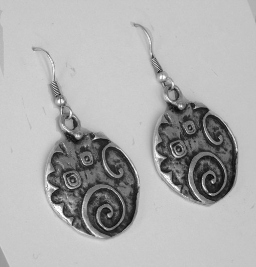 Squiggly line earrings