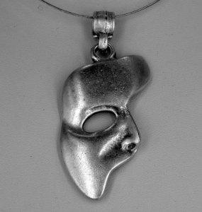 Half mask pendant