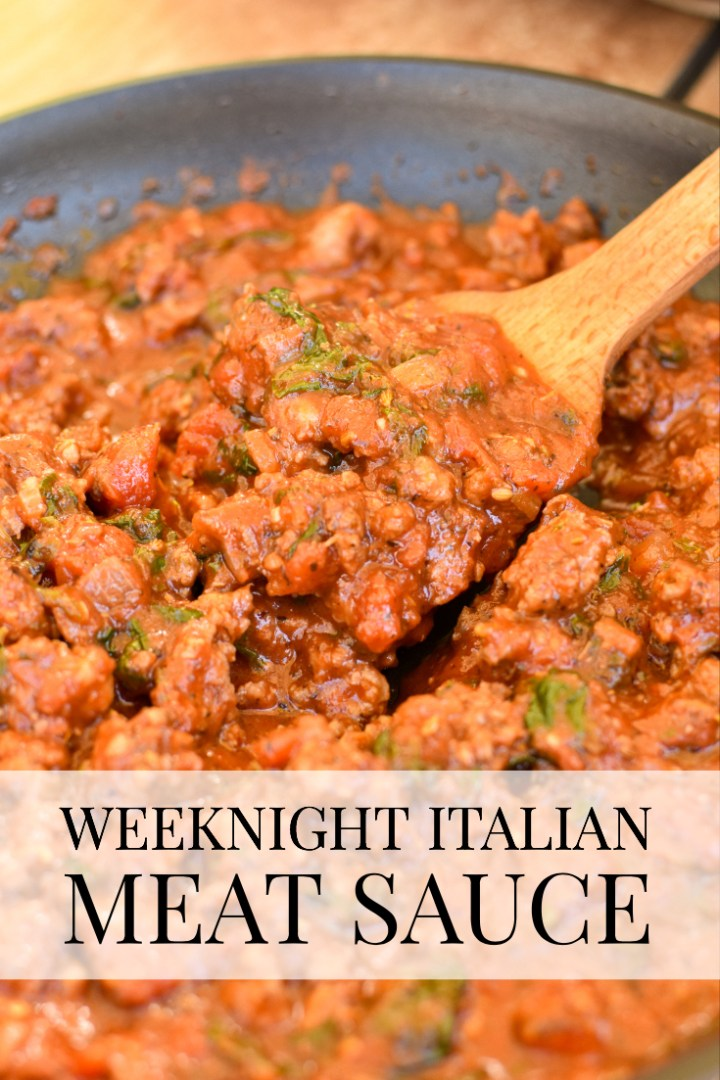 Weeknight Italian Meat Sauce-- Paleo and Whole30 compliant sauce that is ready in 20 minutes! | Wholesome-joy.com