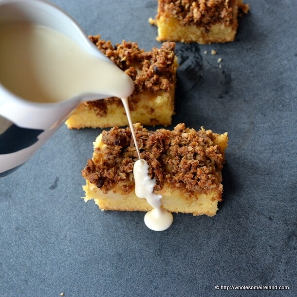 Apple Crumble Cake With Cream
