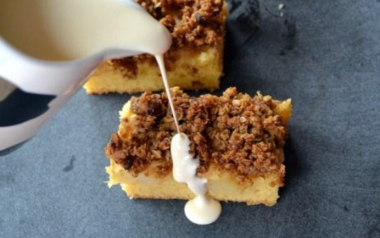 Apple Crumble Cake With Cream