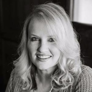 Tara Johnson's author photo