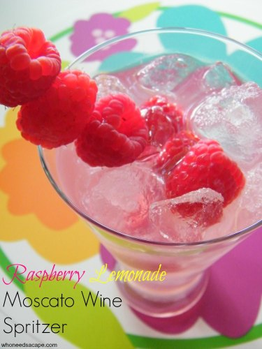 Raspberry Lemonade Moscato Wine Spritzer | Who Needs A Cape?