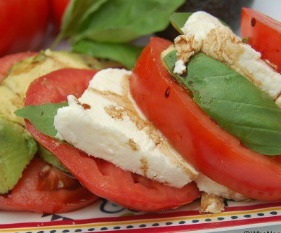 Caprese Salad with Avocado is a very tasty summer dish. Serve is as the main course or a side! Fresh and yummy everyone will be happy to eat this!