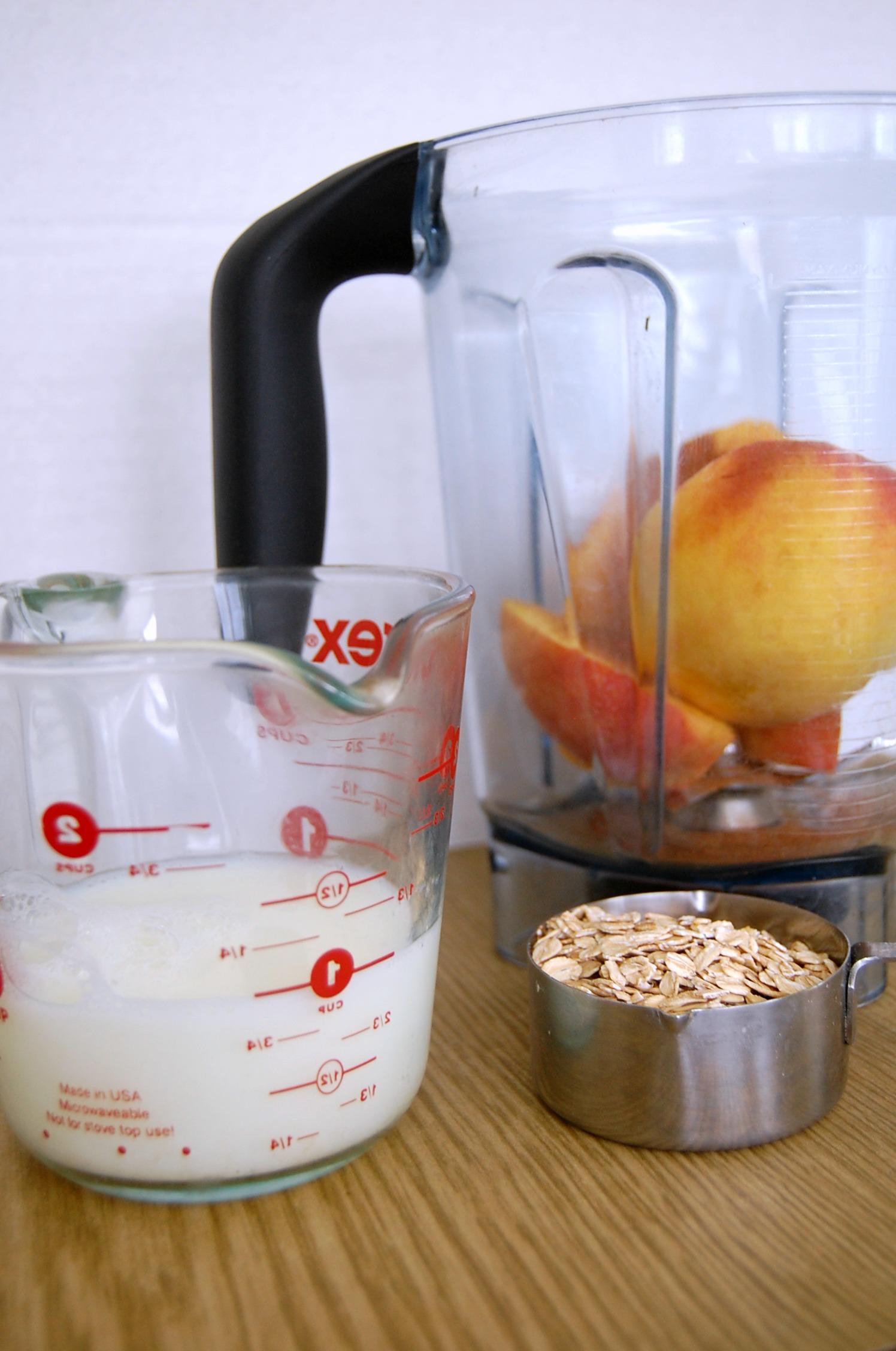 cinnamon-peach-oatmeal-smoothie-2